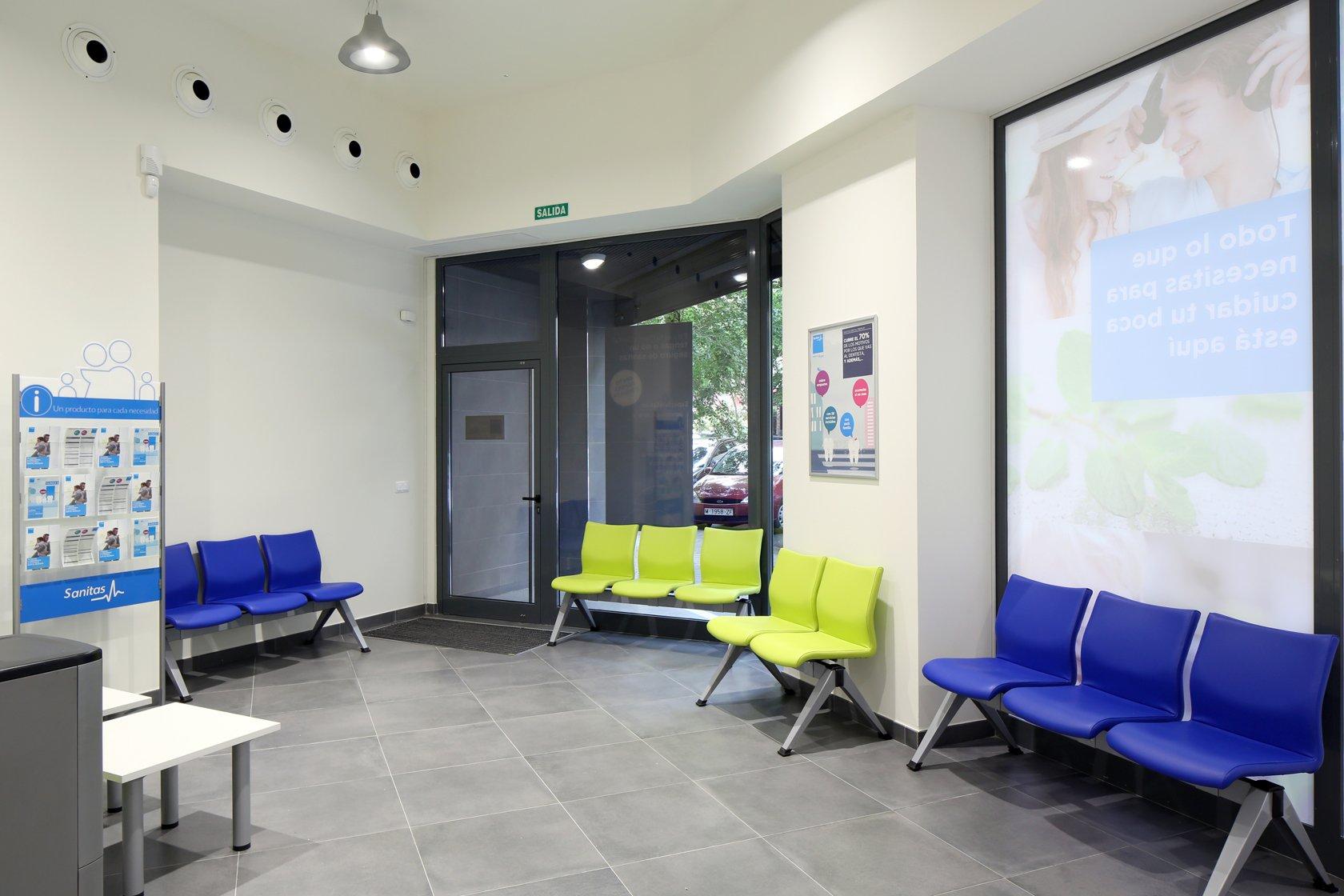 Clinica dental gaztambide dentistas en chamber for Oficinas centrales sanitas madrid