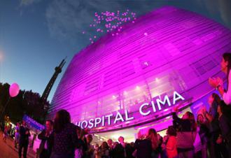 Acto lucha contra el cáncer de mama en SIMA