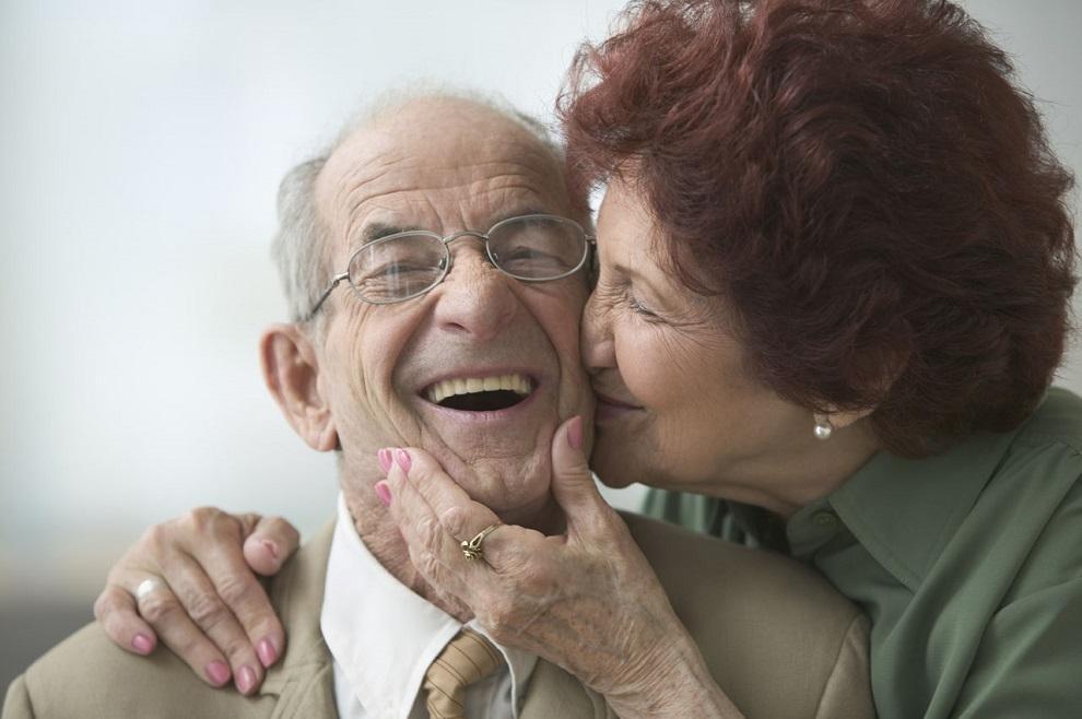 Enfermedades neurol gicas en las personas mayores for Sillon alto para personas mayores