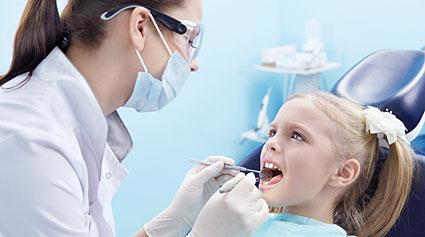 cómo fortalecer el esmalte de los dientes