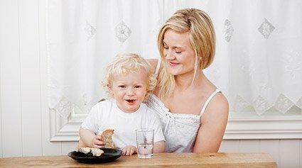 introducir alimentos sólidos en la dieta del bebé
