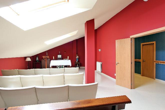 capilla residencia mayores sanitas a coruna