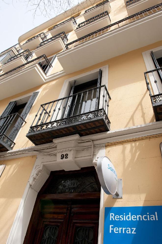 fachada sanitas mayores Feaz