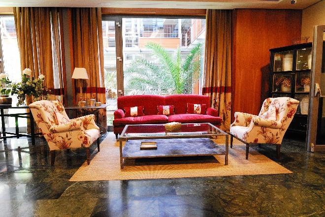 sala residencia mayores mirasierra