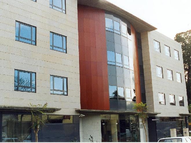 fachada sanitas mayores Vigo
