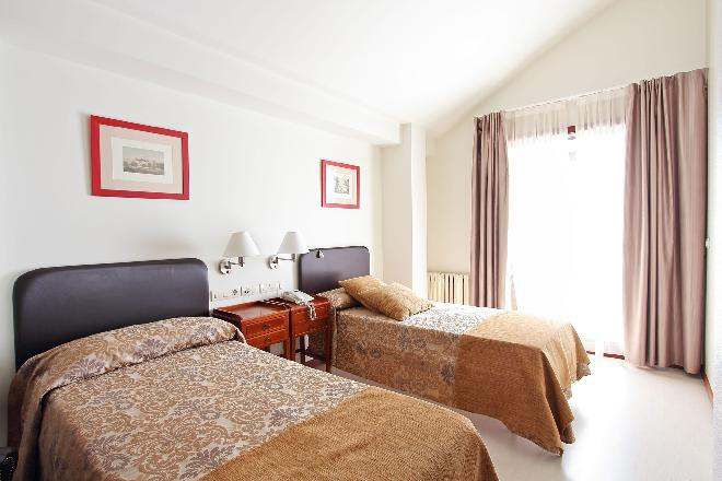 habitacion doble residencia mayores vigo