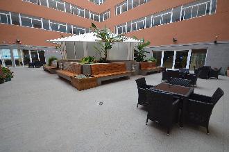 exterior residencia mayores el palmeral