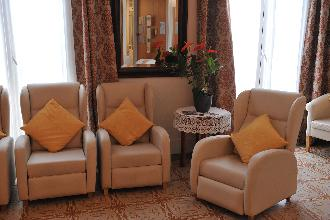 sofas residencia mayores iradier