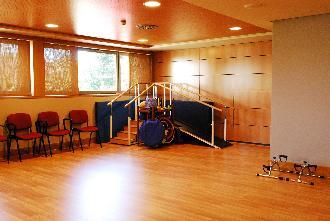 sala terapia residencia mayores mirasierra