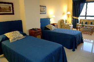 habitacion doble residencia mayores santander