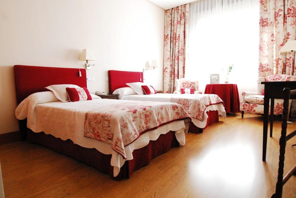 habitación doble residencia de mayores mirasierra