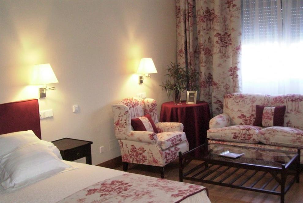 habitación individual residencia de mayores mirasierra