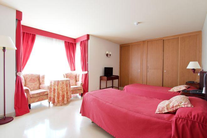 habitacion doble residencia de mayores a coruna