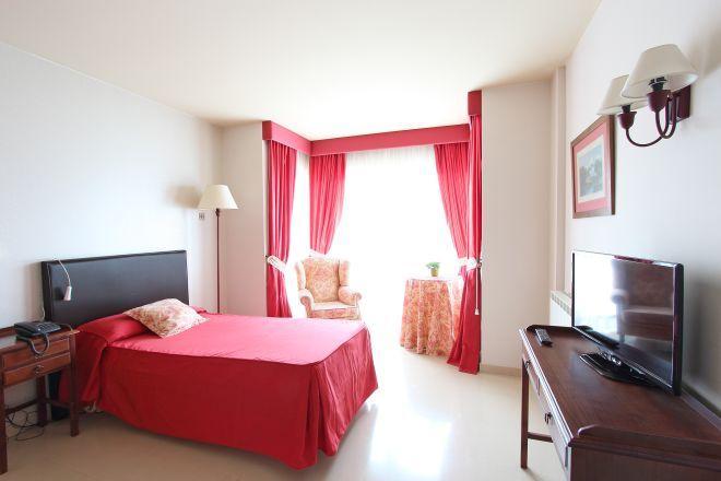 habitacion individual residencia de mayores a coruna