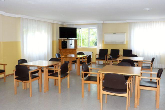 salón tv residencia mayores almenara