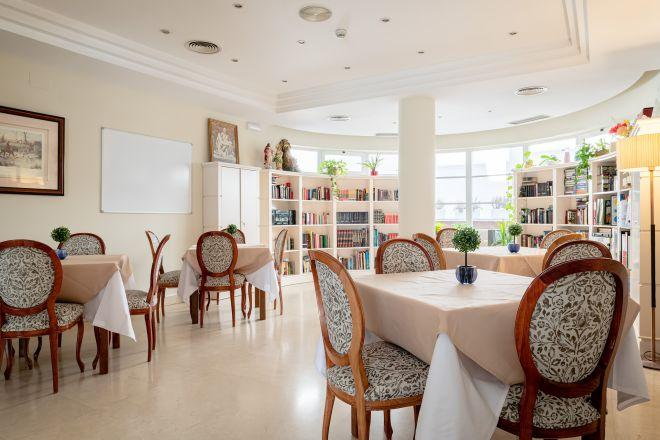 libreria apartamentos arturo soria sanitas