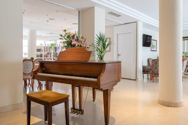 piano apartamentos mayores arturo soria sanitas