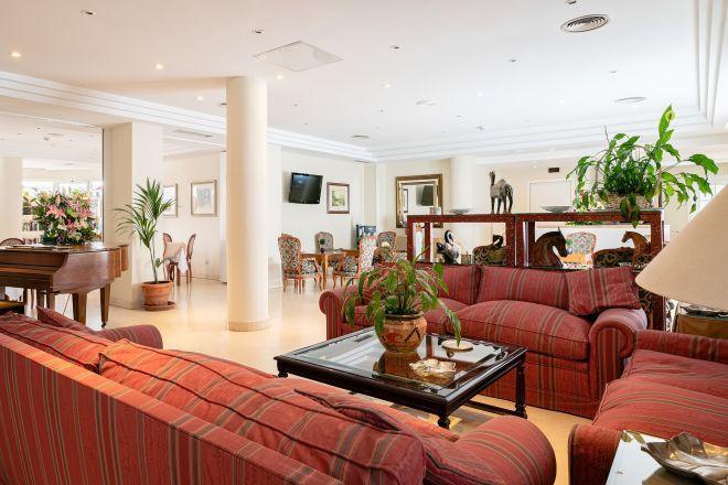 sala apartamentos mayores arturo soria sanitas