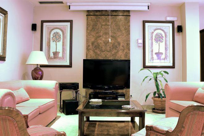 sala tv apartamentos arturo soria sanitas