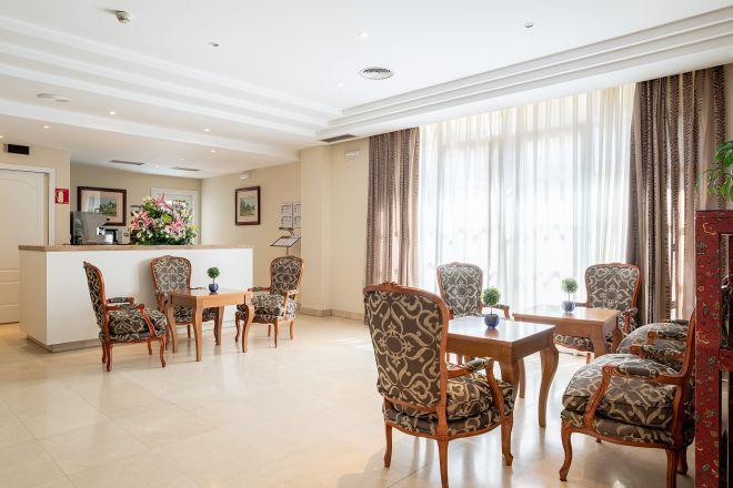 zona cafeteria apartamentos arturo soria sanitas