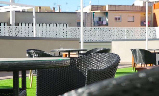 terraza residencia mayores cornella