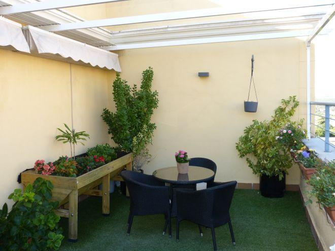 Huerto y terraza residencia sanitas ferraz