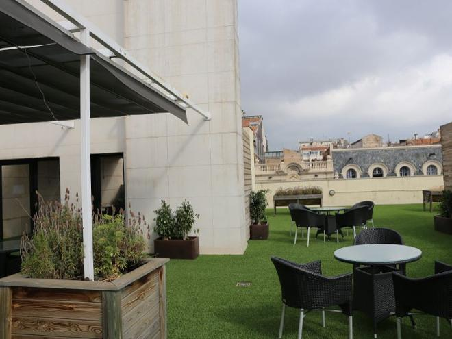 terraza residencia mayores consell de cent