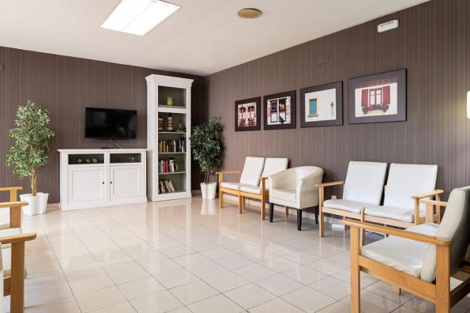 sala residencia mayores las rozas sanitas