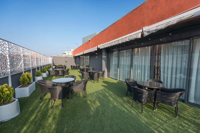 terraza residencia mayores provenca
