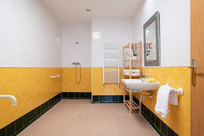 baño residencia mayores valladolid