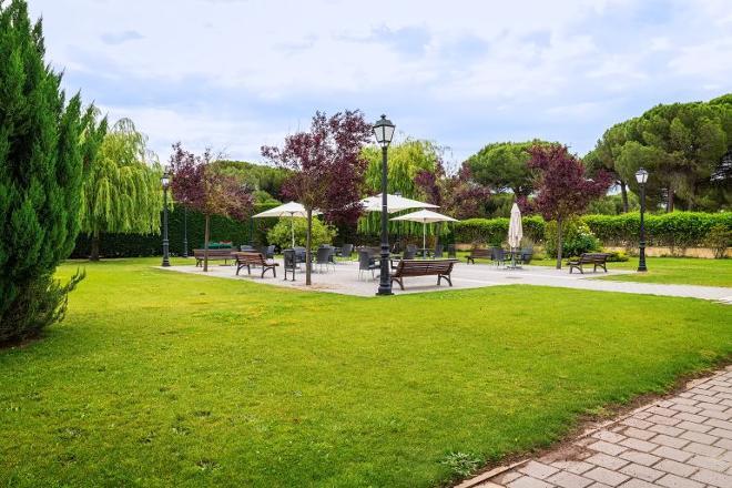jardin residencia mayores valladolid
