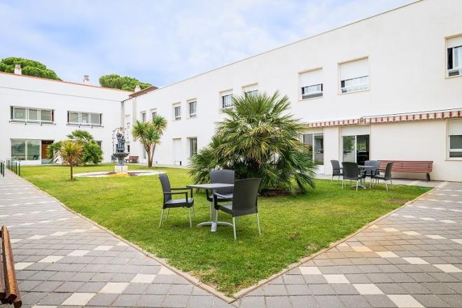 patio residencia mayores valladolid