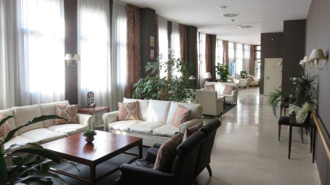 sala residencia mayores zaragoza