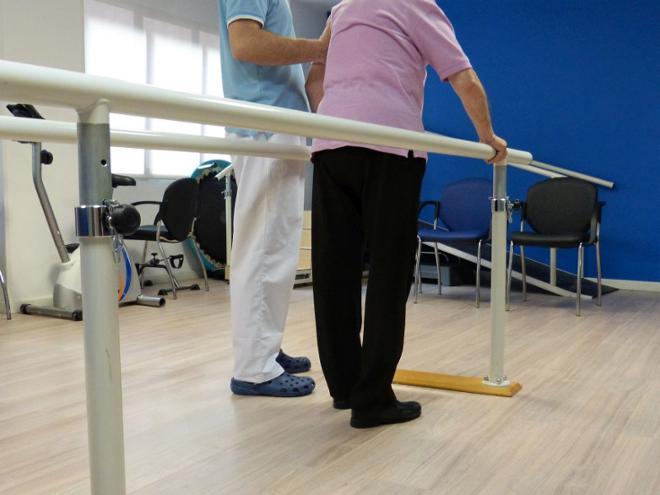 rehabilitación de cadera en mayores