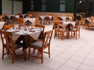 Comedor de la residencia de mayores Sanitas El Escorial