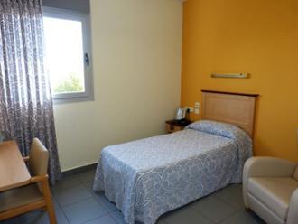 sanitas mayores Carabanchel habitación individual