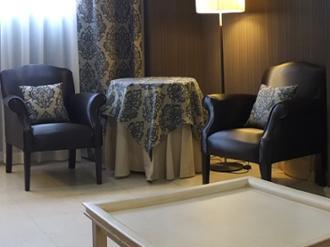 Vista de sala de visitas de la residencia de mayores Sanitas Getafe
